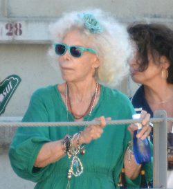 La duquesa de Alba con gafas Wayfarer