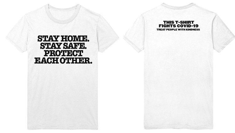 La camiseta puede comprarse en internet por 26 dólares