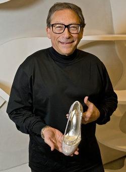 Stuart Weitzman diseña el zapato de Cenicienta