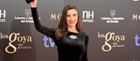 Ángela Molina luce un broche ovalado de Carrera y Carrera