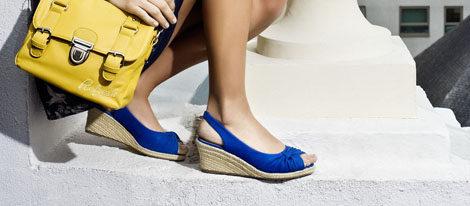 Malena Costa con zapatos de esparto de Refresh
