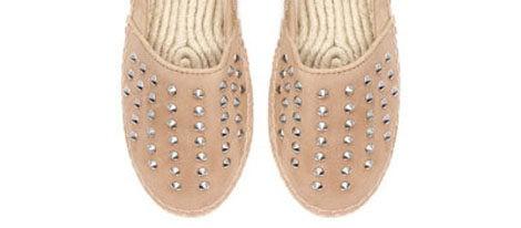 Zapatos de esparto con tachuelas de Zara
