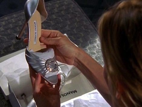 Carrie Bradshaw con unos Manolo Blahnik en Sexo en Nueva York