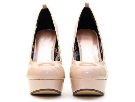 Zapatos de tacón con plataforma en color nude rosado