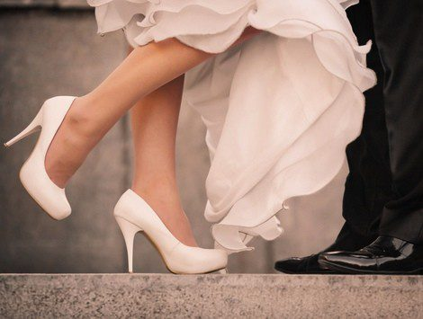 Que zapatos se usan con vestido de novia