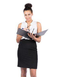 Look trabajo: falda de tubo y camisa blanca
