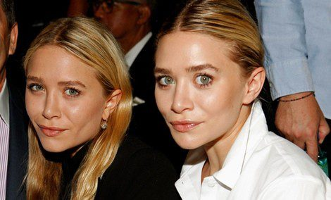 Las gemelas Olsen asisten a un 'front row'