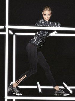 Heidi Klum promociona su línea deportiva junto a New Balance