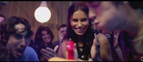 Adriana Lima en el nuevo spot de Desigual