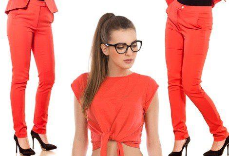 Crop top + pantalón tobillero rojo
