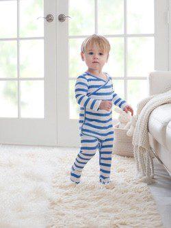 Nuevo pijama de rayas de la firma infantil Aden + Anais