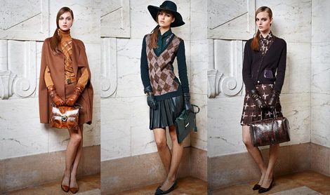 Trajes que se asemejan a elegantes uniformes de colegiala en colores camel, turquesa y morado