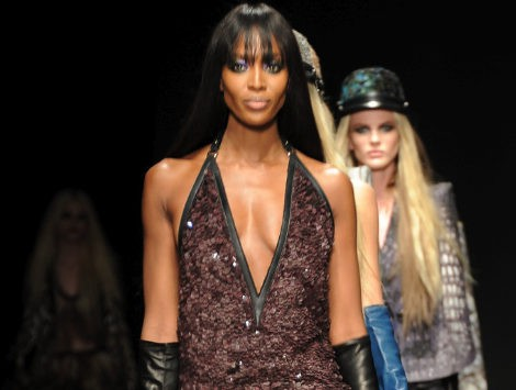 Naomi Campbell vuelve a la pasarela de la mano de Roberto Cavalli