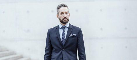 Un estilo formal para una comunión siempre es buena opción para un look masculino.