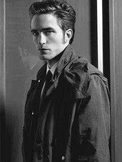 R. Pattinson con gabardina en clave trench
