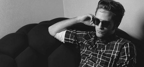 R. Pattinson con camisa de cuadros para Dior Homme