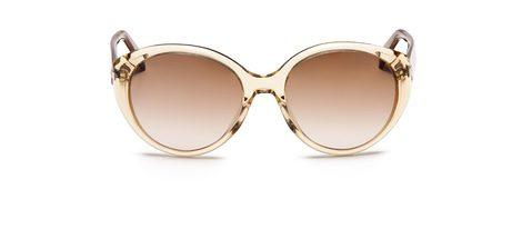 Las gafas de sol son un 'must have' que no pueden faltar en tu bolso