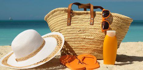 bolsa de playa 10 básicos que tienen que ir contigo bekia moda