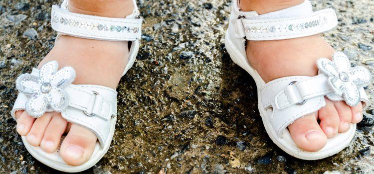 Son preferibles los zapatos que se aten con velcro