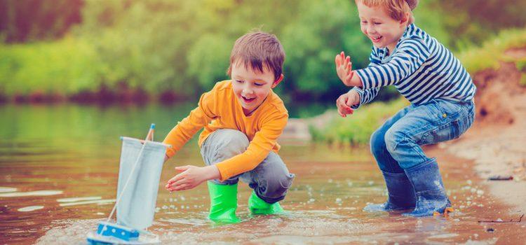 Los calzados de agua estan hechos de materiales que aseguran la comodidad, transpiración y el secado rápido