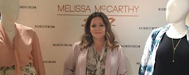 Melissa McCarthy presentando su colección de otoño de Seven7 | Instagram