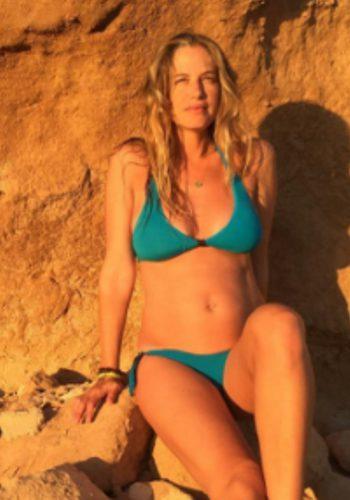 Martina Klein presume de embarazo en bikini