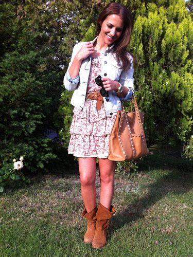 Paula Echevarría con unas botas indias