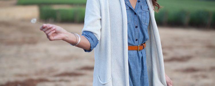 Transforma tu camisa vaquera en vestido