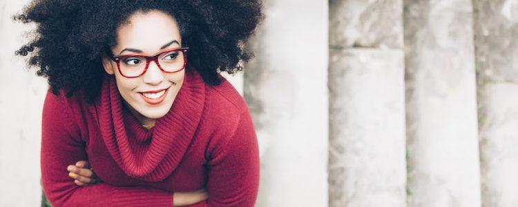 Las gafas con montura de pasta están muy de moda