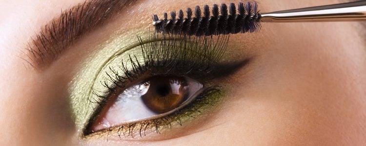 Adapta el 'greenery' a tu maquillaje