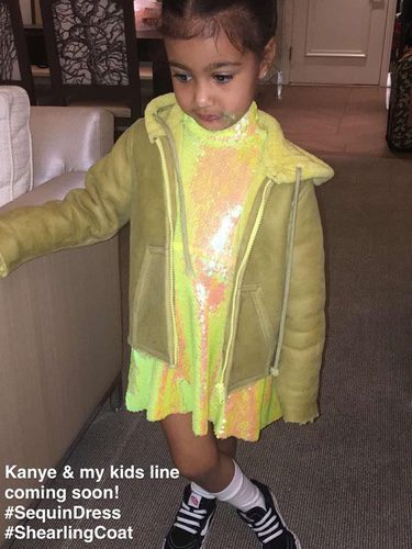 North West con la colección de Kim Kardashian y Kanye West