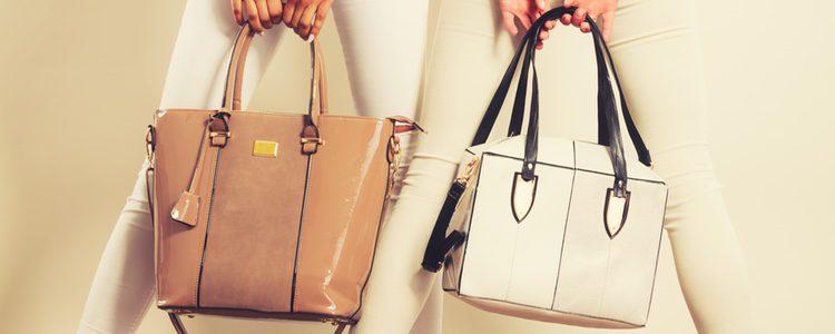 Escoge bolsos grandes donde te quepa la ropa de abrigo