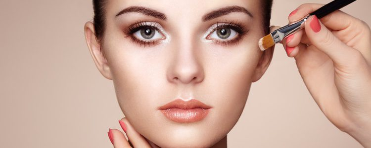 Un maquillaje sencillo será la mejor opción
