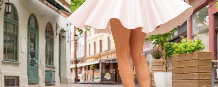 La minifalda con vuelo es mucho más cómoda