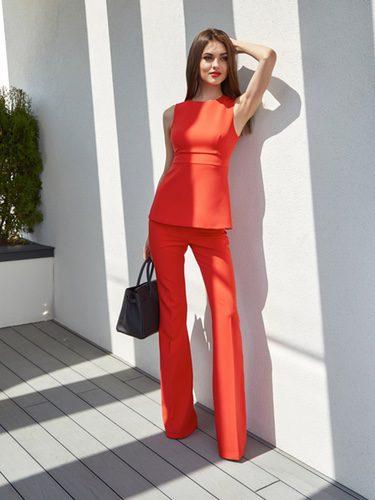 Los estampados o los colores lisos abundan en estos tipos de pantalones