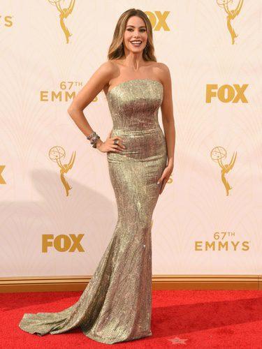 Sofía Vergara posando en el photocall de los Emmy