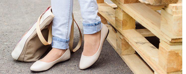 Sustituye los tacones por los zapatos planos