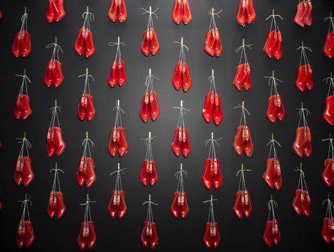 Exposición de Christian Louboutin en el Museo del Diseño en Londres