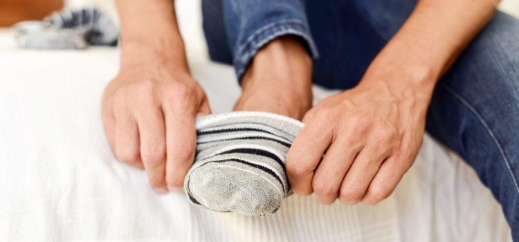 Los calcetines deberán ser siempre del mismo color que tus pantalones