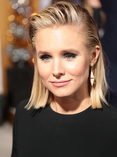 Kristen Bell con un beauty look rockero