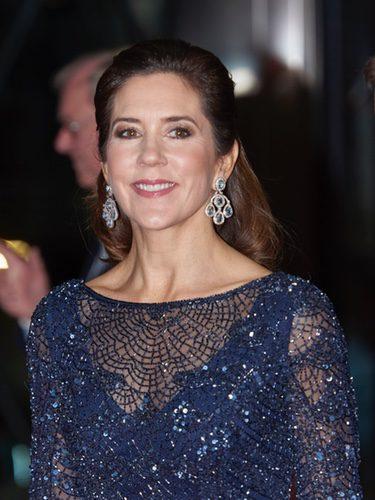 La Princesa Mary de Dinamarca con unos pedientes preciosos