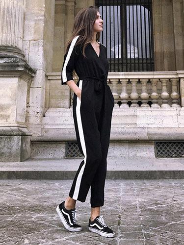 Influencers españolas como María Turiel ya incorporan la tendencia chándal en su armario
