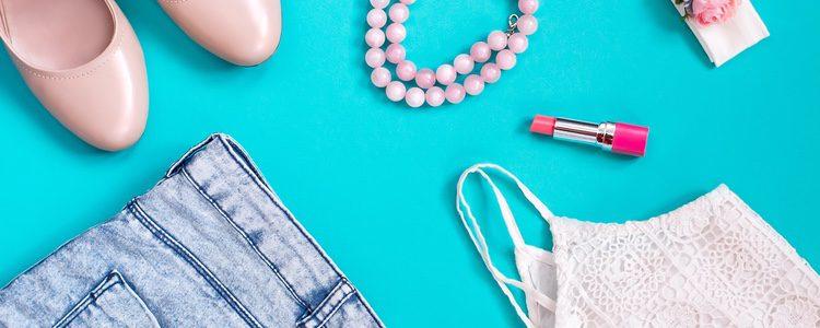 No combines las perlas con prendas llamativas