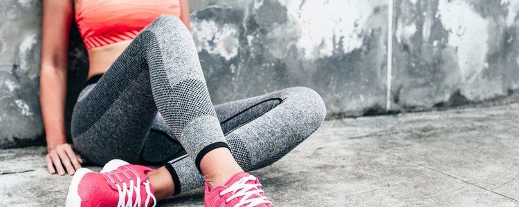 Escoge prendas ajustadas que se amolden a tu cuerpo