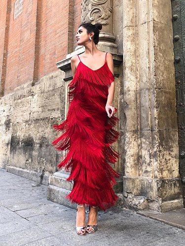 La instagramer Mery Turiel con un vestido largo de flecos de la marca Womance