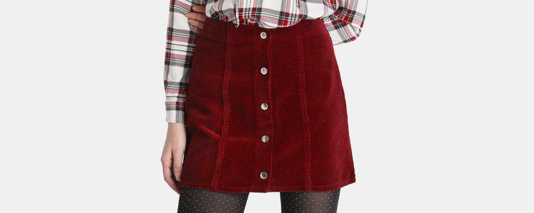El tejido gamuza o pana da un aspecto más de abrigo / Marca: El Corte Inglés
