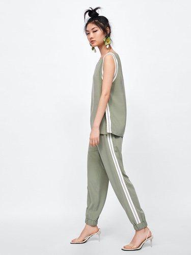 Conjunto de pantalón y blusa con banda lateral de Zara