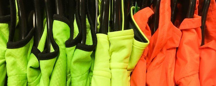 Es aconsejable lavar la ropa reflectante que se usa en deportes de noche en agua fría