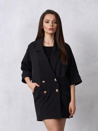 La blazer vestido se ha convertido en tendencia en las últimas temporadas