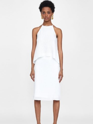 La falda de tubo la puedes encontrar en diferentes largos y texturas/Foto Zara
